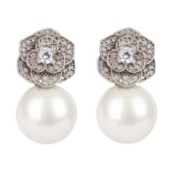 Buckingham Palace Deco Flower Earrings