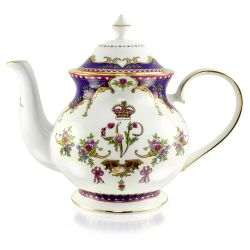 Buckingham Palace Queen Victoria 4 Cup Teapot