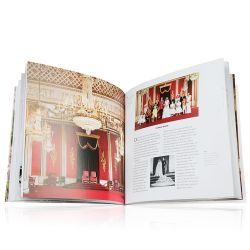 Buckingham Palace: Official Souvenir Guide