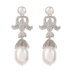 Buckingham Palace Pearl Leaf Drop Earring