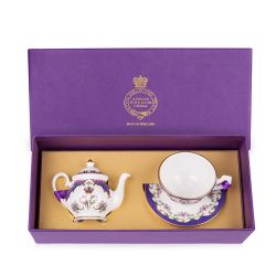 Queen Victoria Miniature Set