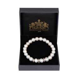 Circular pearl bracelet with three intermittent crystal discs between four pearls