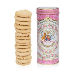 The design of this rose and almond biscuit tube is wonderfully inspired by the pink roses in bloom at the time of The Queen's official birthday, on the East Terrace Garden, Windsor Castle. At the centre of this tin tube is the coat of arms which is surrou